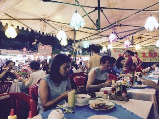 Busy pop up restaurant outside Ben Thanh Market