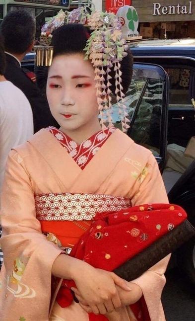 Stunning maiko