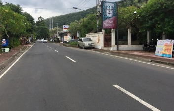 Candidasa main road
