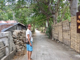 So nice to find these roads on Gili Air - love them!