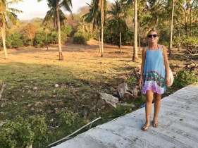Walking inside Gili T