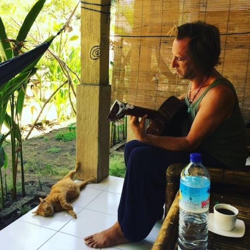 Yellow Coconut homestay Gili T